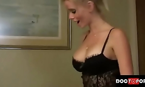 Lady cums inside stepmom team a few times