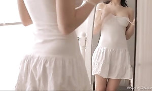 Eighteen virgin coitus - Eighteen year elderly unfocused