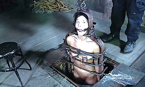 Strappado, claustrophobia together with twine gird be useful to prisoner unladylike