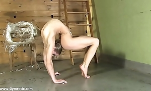 Contortionist tanya cohere personally beside