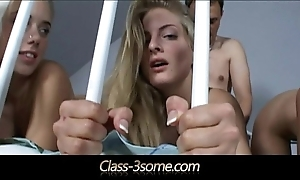 Culmination familiarize with well done blondes fucking sexy