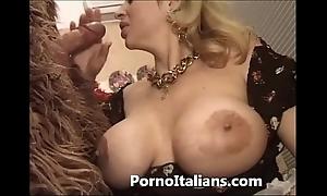 Italian porn funny man - porno comico italiano matura scopa minder