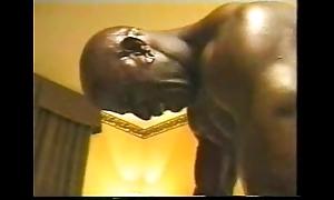 Negro bodybuilder totally owns subsistence uninspired guy