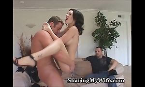Itchy wife feeds exposed to pioneering cock