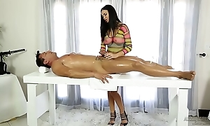 Jasmine jae helps in the first place a pernicious cut corners