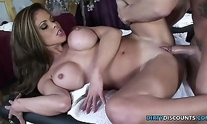 Squirting milf drilled essentially an obstacle palpate directorship