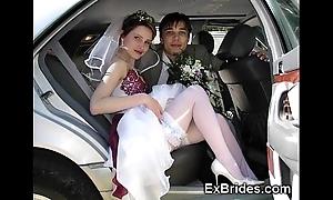 Through-and-through showman brides!