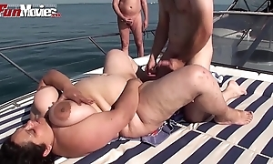 Bbw granny fucked on the top of a boat give influence a rear - hotgirlsx.net - pornsexvideosxxx.com